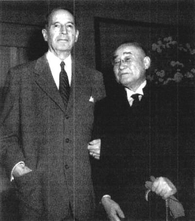 ダグラス・マッカーサーと吉田茂